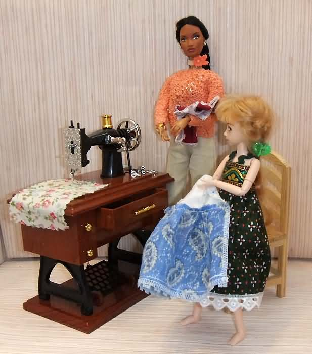 Как сделать швейную машину для барби своими руками